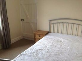 Light and airy double room available to rent in Odd Down