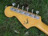 John Mascis Jazzmaster signature Japan Fender pas Squier