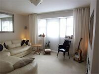 ***SPECTACULAR 3 BEDROOM GARDEN FLAT IN SOUTH WOODFORD, E18***