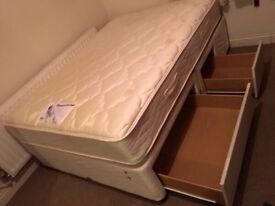 Quality Myers divan bed with mattress/ FREE DELIVERY