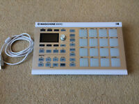 NATIVE INSTRUMENTS MASCHINE MIKRO GROOVE PRODUCTION STUDIO (WHITE) AS NEW