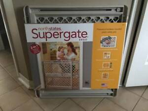 NEW SUPERGATE NEVER USED BABY PET FENCE STILL SEALED