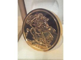 GIANT GOLD COIN ORNAMENT WITH STAND CITY OF LONDON GOLD COMPANY MADE - NEW BOXED AND Vintage
