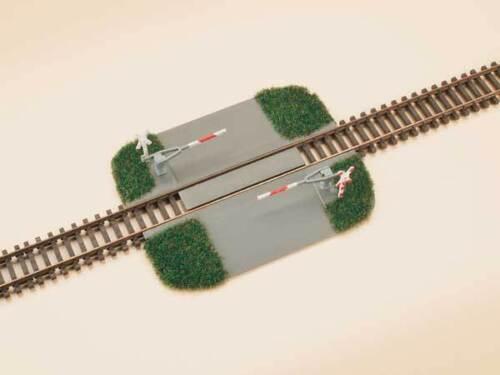 Auhagen 43645 Tt Gauge,Railroad Crossing - Halbschranke# New Original Packaging