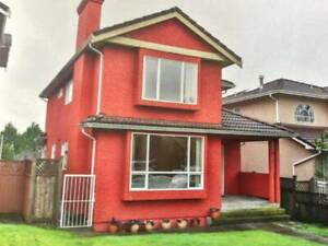 2 people, Skytrain,20 min to downtown,luxury huge room new house