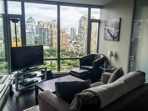LUXURY Furnished 1 BR + Den in prime Yaletown location! MARCH 1