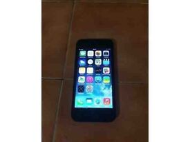 Apple iphone 5s in good condition !! Unlocked 16 gb black colour