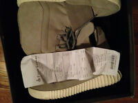 Used yeezy 750 boost size 10 + receipt + 2 dustbags + Laces