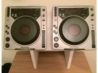 CDJS 800 PERFECT CONDITION WITH STAND