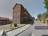 3 bedroom flat in Rideout Street, London, SE18 (3 bed)