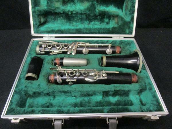 Vintage Kohlert Bixley Clarinet with Case - Need new corks