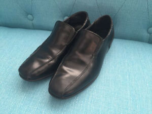 Boys leather dress shoes Sz 2