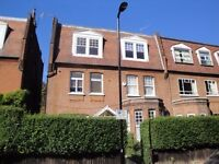 Modern 3 bedroom flat in South Hampstead