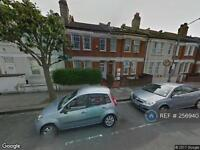 2 bedroom flat in Gilbey Road, Tooting Broadway, SW17 (2 bed)