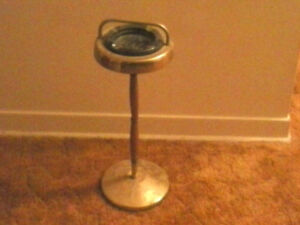 VINTAGE ASHTRAY WITH STAND