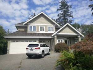 Beautiful 6-bedroom single house in South Surrey - $4400