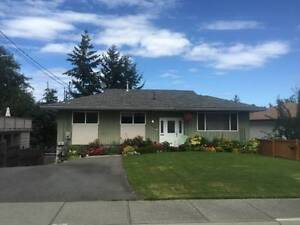 Central Nanaimo Upper & Lower Suite House for Rent