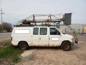 2002 Ford E-350 with Bucket Lift