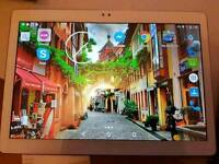 10 Inch Android tablet (Wi-Fi + Sim card) + keyboard case