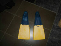 Floating scuba diving fins size S