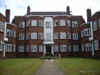 3 BEDROOM FLAT - TOP FLOOR FLAT - WOOD FLOORING - SEPARATE KITCHEN - 2 MINS FROM TUBE - AVAIL NOW