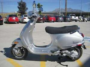 2009 Vespa LX 50 -- Financing available, excellent condition