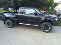 2003 Toyota Tacoma TRD V6 SR5 Extended CAB Extra Clean Low KMS