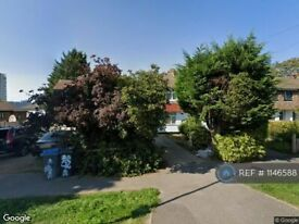 1 bedroom in Alpine Avenue, Surbiton , KT5 (#1146588)
