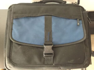 Valise pour ordinateur portable/Laptop Brief Case