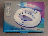 Electric manicure/pedicure set