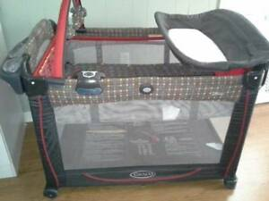 Graco - Element Playard, Mickey Mouse in the House
