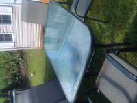 set de patio avec 6 chaises
