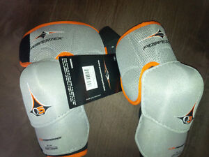 Powertech Q5 junior hockey elbow pads brand new with tags