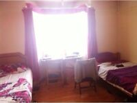 Share double room £75 all inclusive East Acton, Shepherds Bush