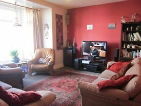 lovely double room - spacious clean big home, friendly house, less than 50 mtrs to beach with doggy.