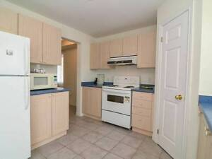 Share a town home near bus terminal Cambridge Kitchener Area image 6