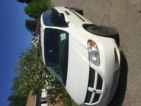 2005 Dodge Caravan White Minivan, Van