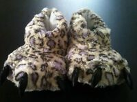 ladies bootie slippers size 5