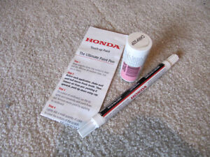 Honda Civic Touch-Up Pen and Brush
