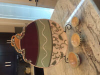 Decorative plate with stand and 3 mini bowls