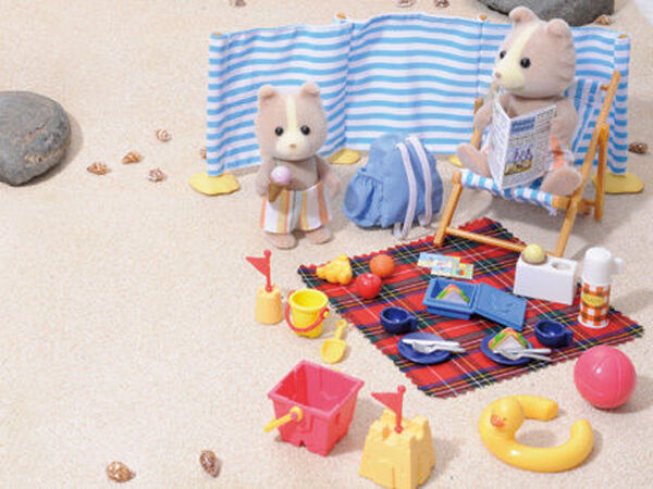 *NEW IN BOX* SYLVANIAN FAMILIES 4870 Day at the Seaside - 2 Figures / 35 Pieces
