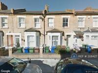 1 bedroom flat in Colls Road, London, SE15 (1 bed)