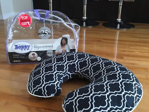 Coussin d'allaitement Bobby Nursing Pillow