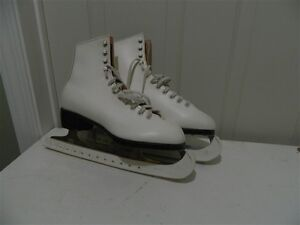Doust Women's Skates Size 8 in excellent condition