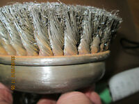 BROSSE METALLIQUE CABLE NOUE (KNOT WIRE CUP BRUSH) 5""