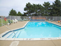 Leamington 2 Bedroom Apartment for Rent: Dishwasher,outdoor pool