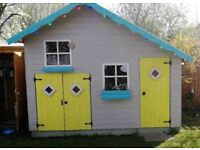 Playhouse / Wendy House! All kitted out