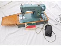 Vintage Singer 285 K Sewing Machine