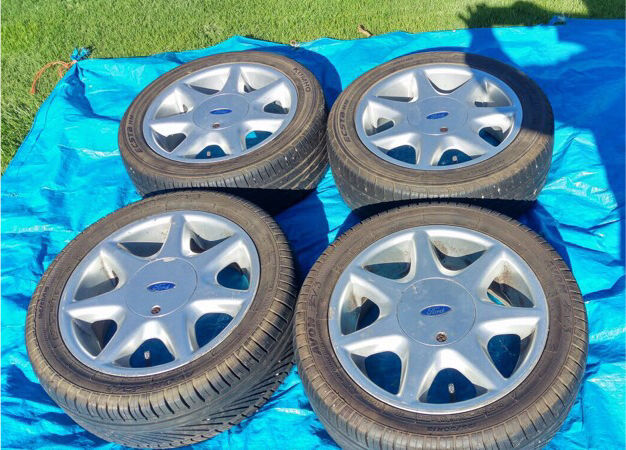 x4 Ford RS Softline Retro Alloy Wheels With Tyres
