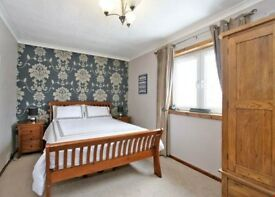 Kingsize room to rent with free parking